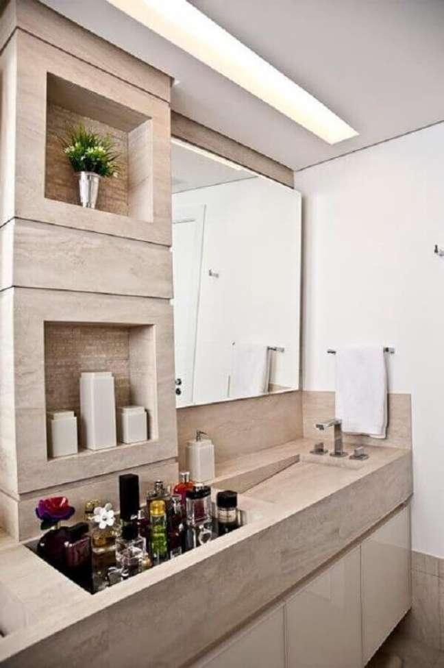 15. Decoração com gesso no teto do lavabo – Foto Pinterest