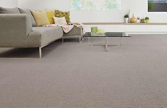 27. Carpete para sala de estar moderna – Foto Lavanderia Nova Paulistana