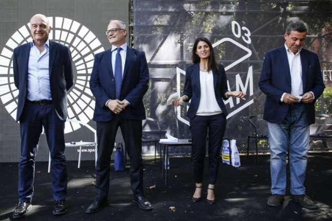 Michetti, Gualtieri, Raggi e Calenda durante debate de candidatos a prefeito de Roma