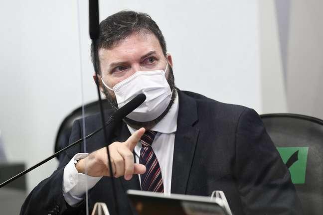 O ex-assessor do Departamento de Logística do Ministério da Saúde, tenente-coronel da reserva Marcelo Blanco da Costa, fala à CPI da Covid