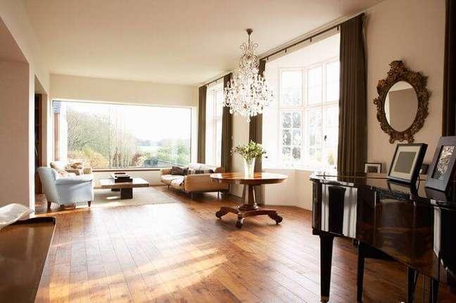 32. Carpete para sala de madeira – Foto Revista VD