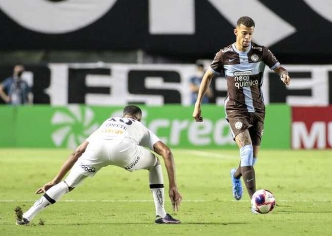 Em abril, pelo Campeonato Paulista, o Timão venceu o Santos, na Vila, por 2 a 0 (Foto: Rodrigo Coca/Ag. Corinthians)