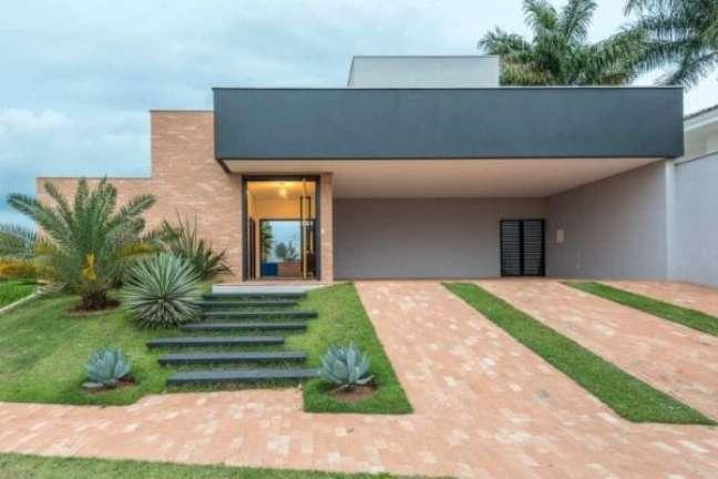12. Casa moderna com garagem coberta – Foto Laje 54 Arquitetura