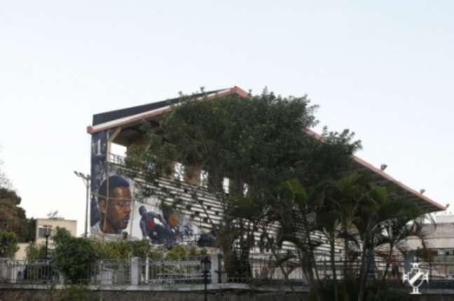 Imagens do muro em homenagem a Barbosa (Rafael Ribeiro/Vasco)