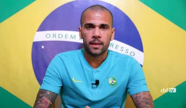 'É um momento especial e momentos especiais você precisa se preparar bem', disse Dani Alves (Reprodução / CBF TV)