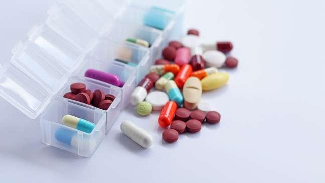 5 dicas de como organizar os medicamentos para não esquecer o horário