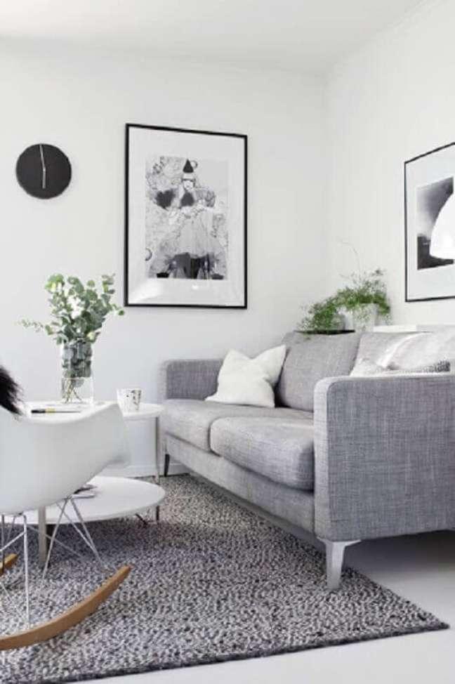 21. Decoração minimalista para sala branca e cinza – Foto: Pinterest