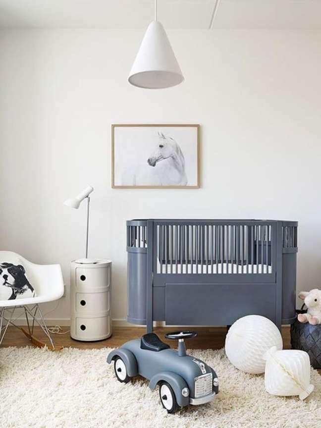 28. Quarto de bebe retro com berço azul – Foto Kids Insteiors