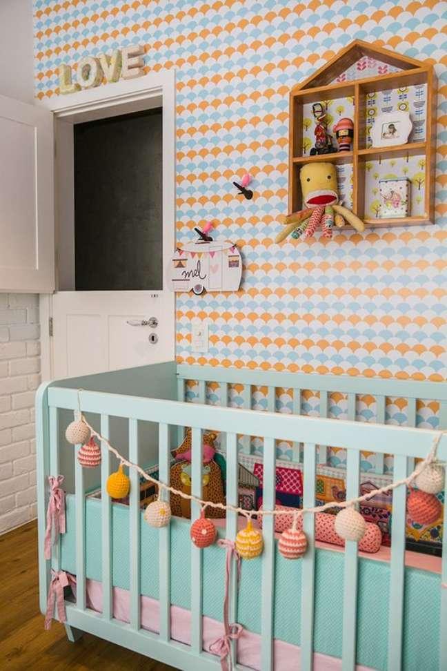 30. Quarto de bebe retro com paleta de cores em tons pasteis – Foto Arquitrecos