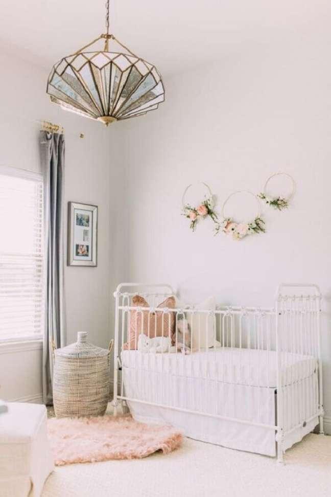 46. Luminária infantil para quarto de bebe moderno e clean – Foto Revista VD