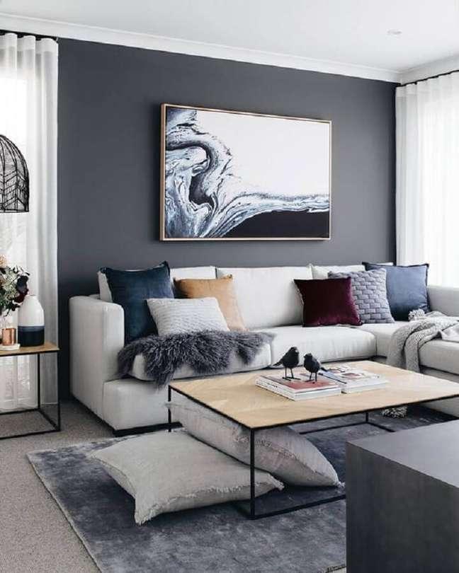 10. Almofadas diferentes para decoração sala cinza e branco – Foto: L'Essenziale