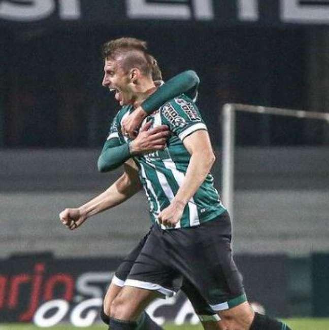 Henrique anotou o gol que abriu o placar a favor do Coritiba (Divulgação/Instagram/Coritiba)