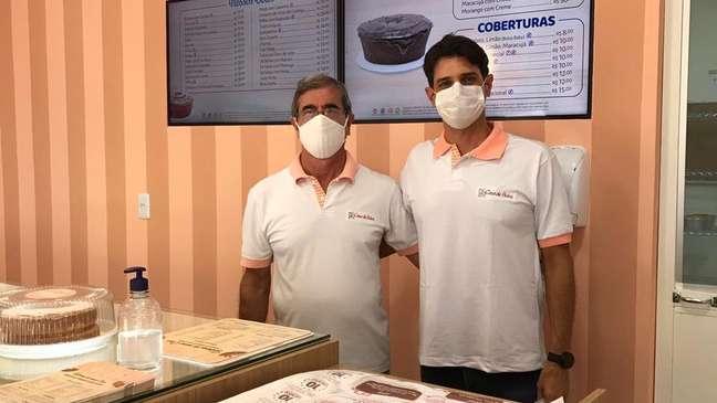 Epaminondas e o filho Epaminondas Oliveira Santos Júnior