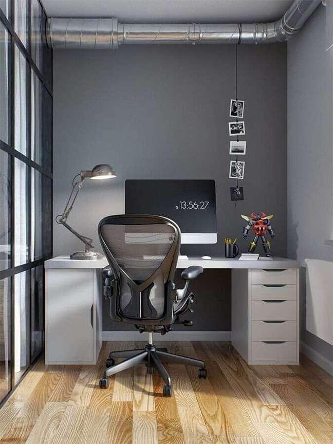 17. Decoração com cadeira giratória e escrivaninha home office – Foto: Home Fashion Trend
