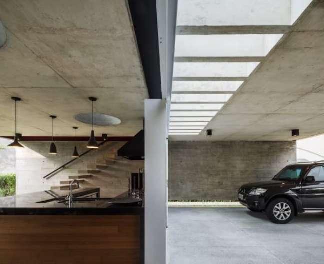 40. Cerâmica para garagem em cinza chumbo para decoração moderna – Foto Pinterest