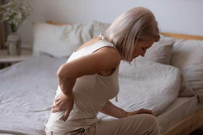 Osteoporose pode ser prevenida com um estilo de vida saudável; entenda