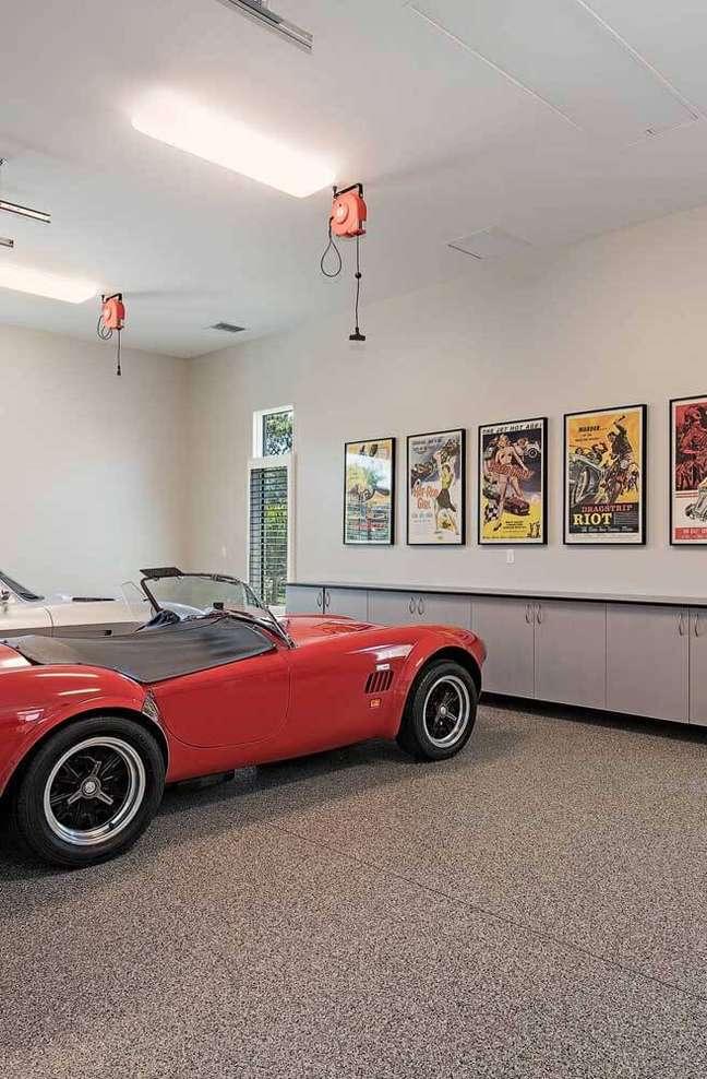 7. Cerâmica para garagem moderna na cor cinza e moderna – Foto Pinterest