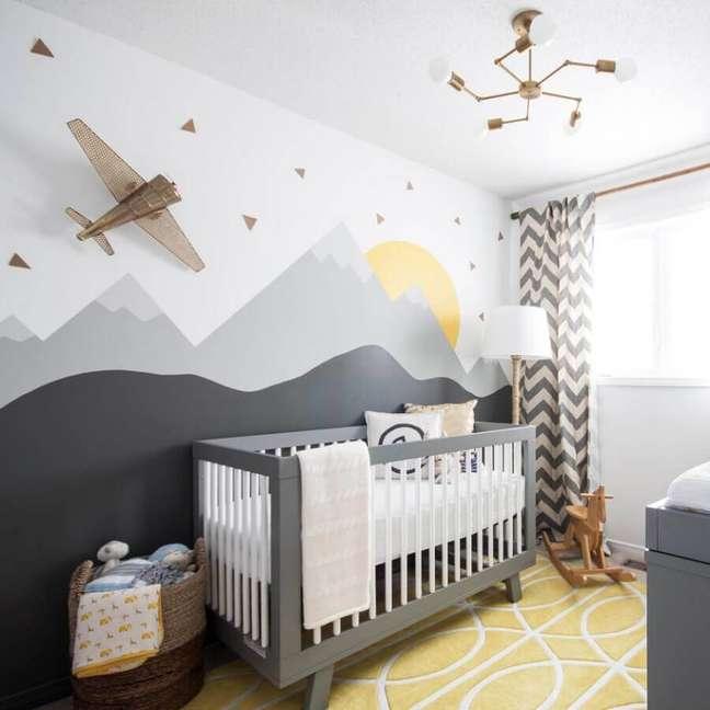 8. Adesivo de parede para decoração de quarto para bebê cinza e branco – Foto: Pinterest