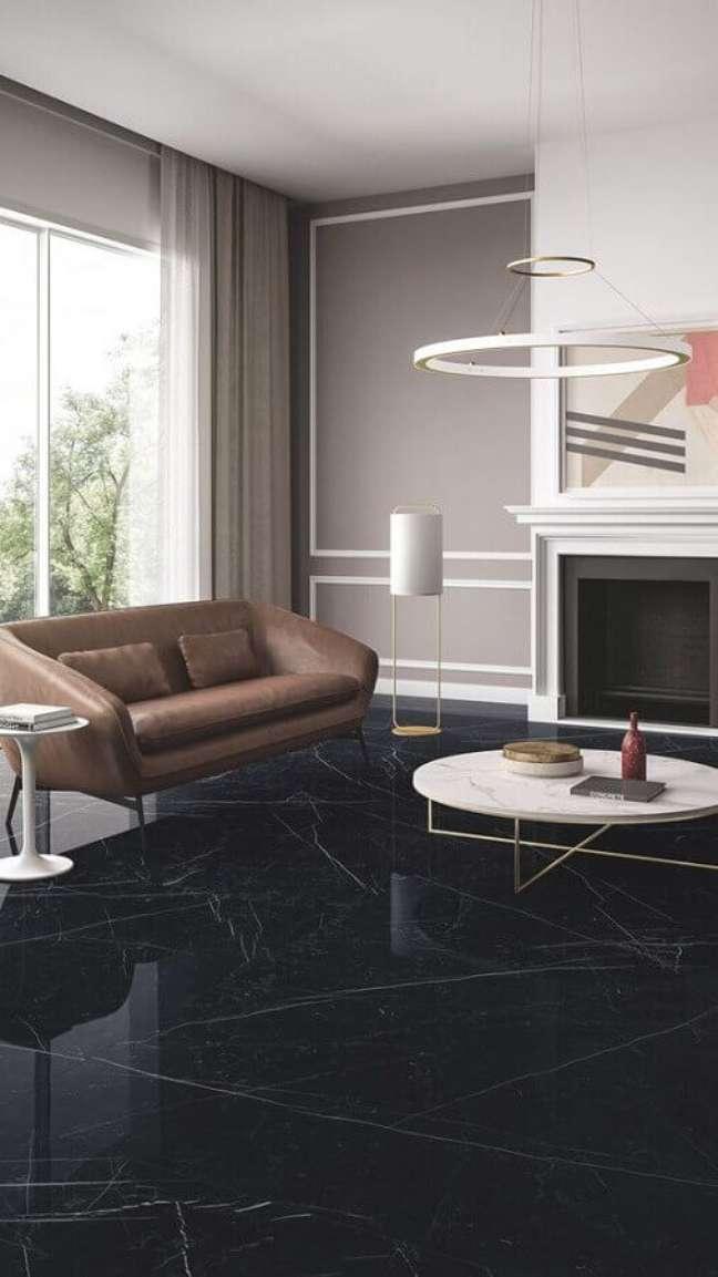 64. Sala de estar com mármore preto são gabriel – Foto Fiandre Architectural Surfaces