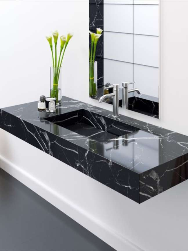60. Pia de banheiro em mármore preto – Foto Riluxa