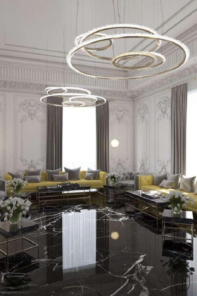 33. Decoração sofisticada para casa com piso preto mármore – Foto Behance