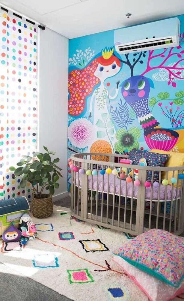 21. Decoração de quarto para bebê com papel de parede infantil – Foto: Pinterest