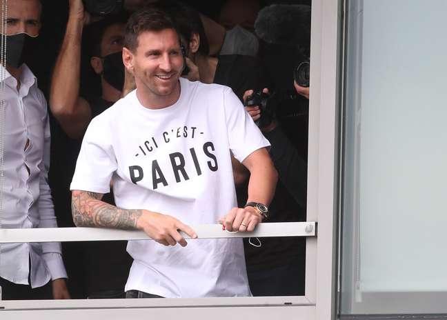 Lionel Messi já está em Paris para assinar contrato com o PSG