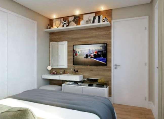 36. Rack para quarto pequeno com espaço para penteadeira – Foto Doce Obra