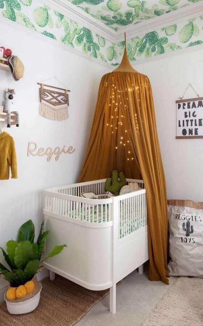 9. Berço com dossel para decoração de quarto para bebê – Foto: Pinterest