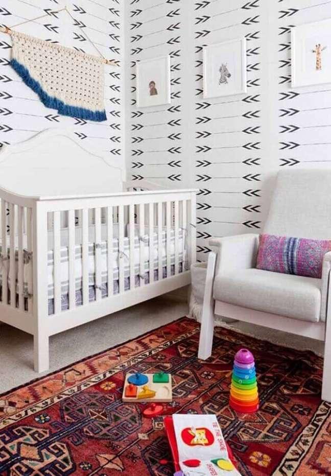 43. Papel de parede para decoração de quarto para bebê simples – Foto: Pinterest