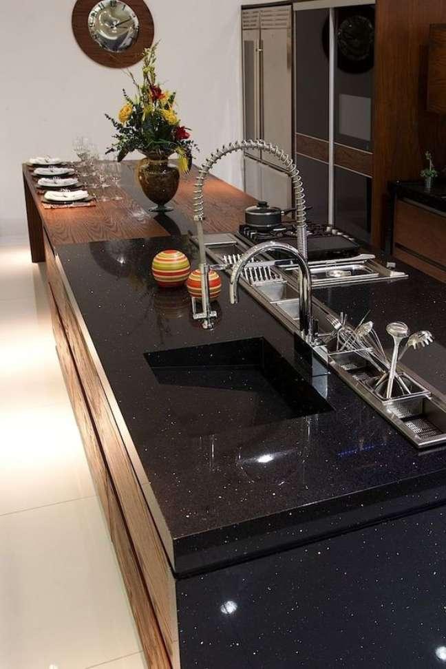 30. Cozinha com mármore preto são gabriel – Foto Arkpad