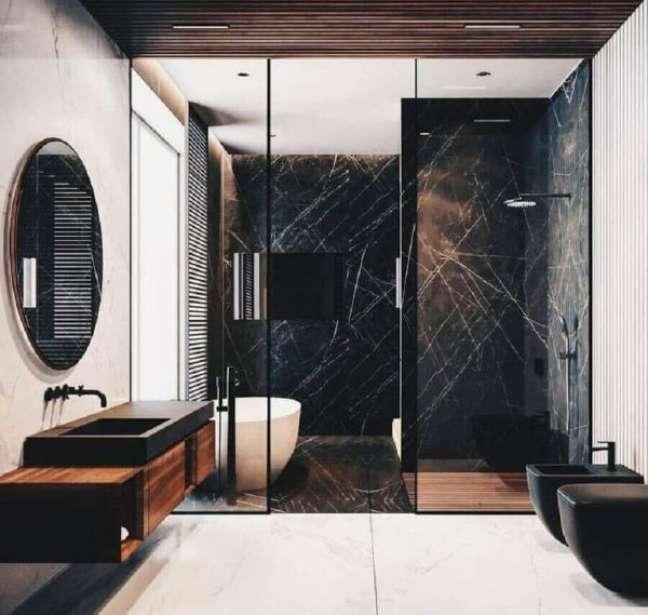 50. Mármore preto no box do banheiro moderno – Foto Pinterest