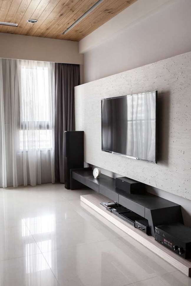 33. Rack para quarto com painel para tv – Foto Pinterest