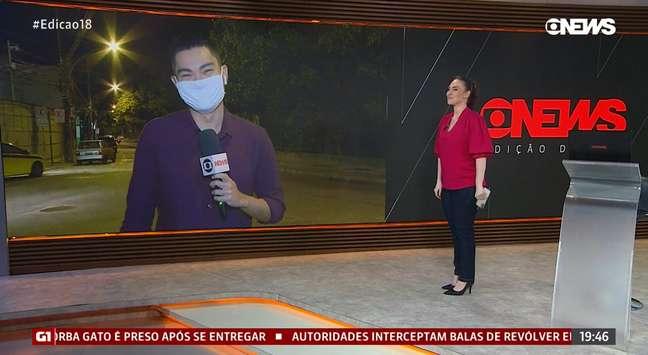 A apresentadora contornou o flagra e fez o repórter rir da situação