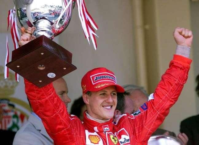 Schumacher continua 'lutando' contra as 'consequências' do acidente de 2013