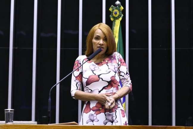 Flordelis se defendeu das acusações durante discurso em Plenário