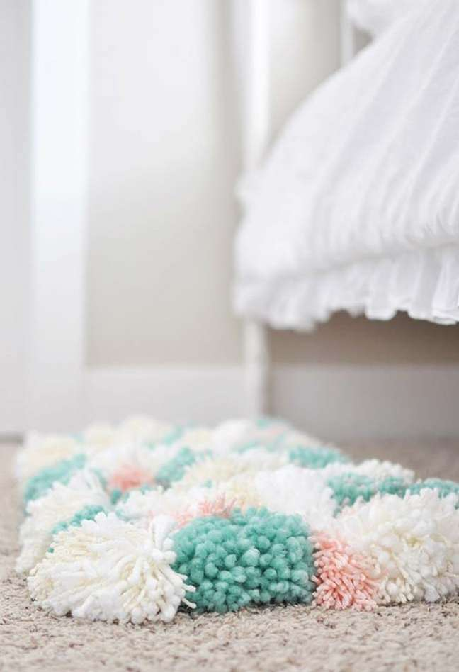 43. Tapete de lã para quarto em tons pasteis – Foto Pinterest
