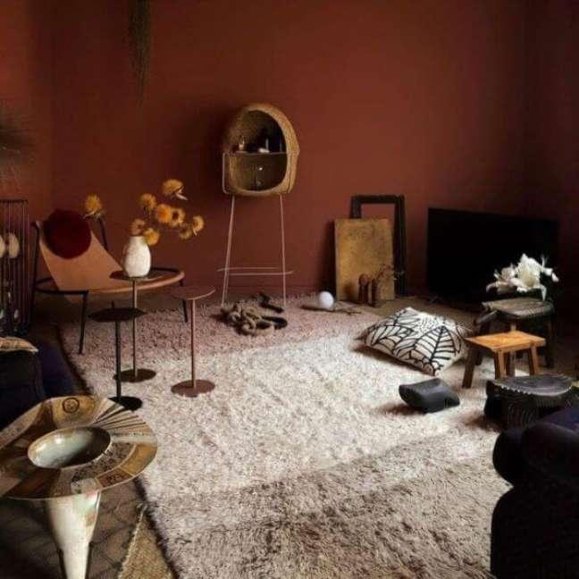 25. Sala com tapete de lã neutro – Foto momy decor