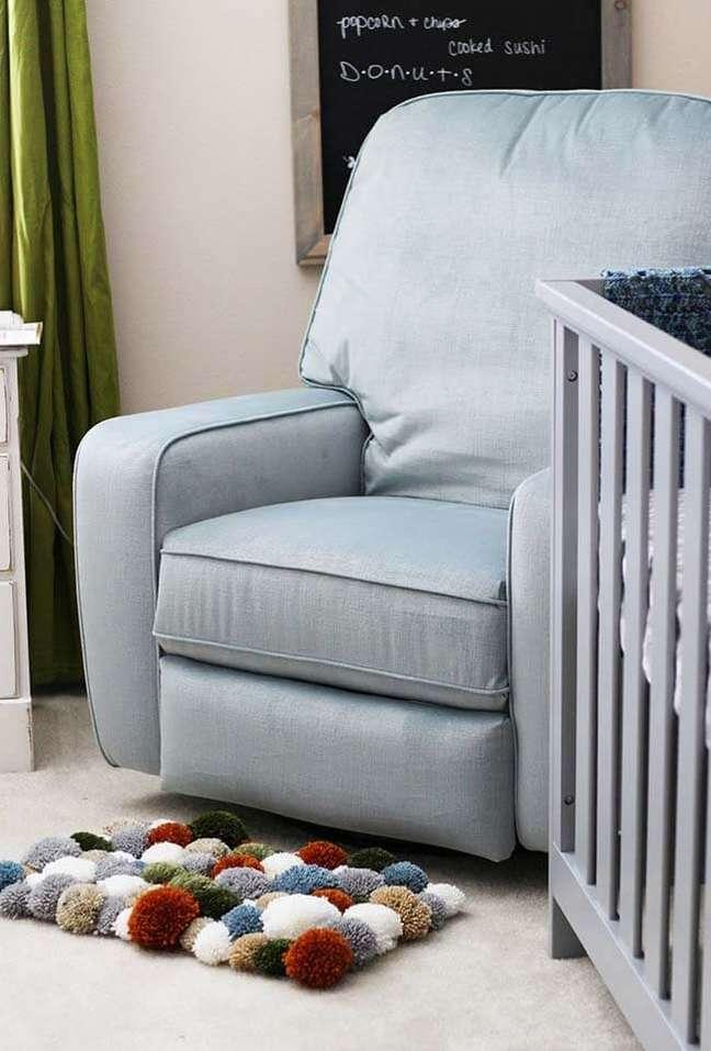 2. Quarto de bebê com tapete de lã e pompom – Foto Pinterest