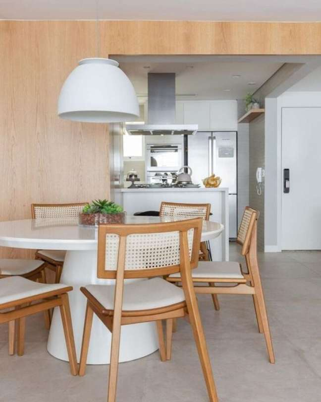 8. Mesa cone branca para sala de jantar moderna e minimalista – Foto Pinterest
