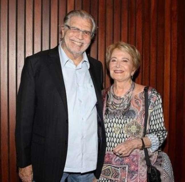 Tarcísio Meira era casado com a também atriz Glória Menezes que está internada no mesmo hospital também enfrentando a covid-19