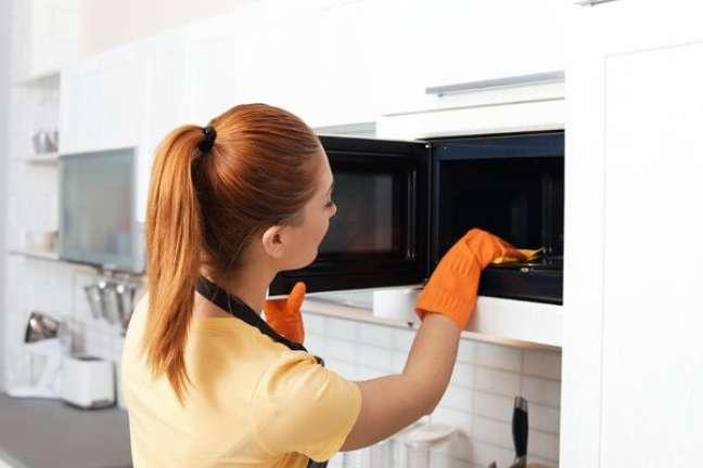 1. Dicas de como limpar microondas – Foto Fast Shop