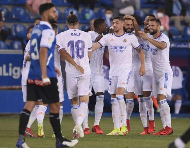 Real Madrid conseguiu boa vitória sobre o Alavés (Foto: JOSEP LAGO / AFP)
