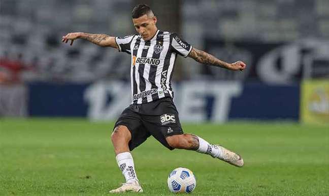Guilherme Arana atinge marca de 200 jogos como profissional hoje diante do Palmeiras (Foto: Bruno Cantini/Atlético-MG)