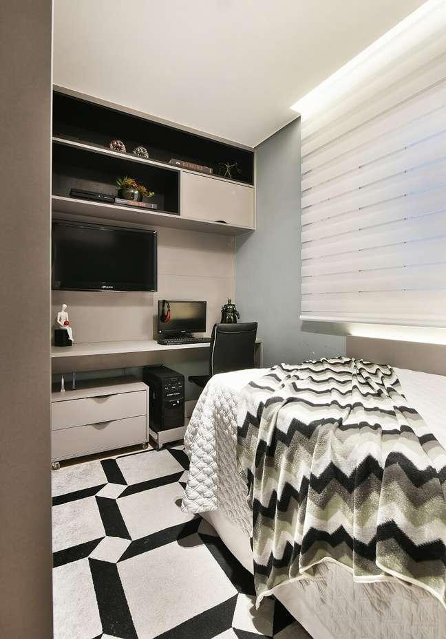 19. O quarto do filho é aconchegante e funcional. Foto: Sidney Doll