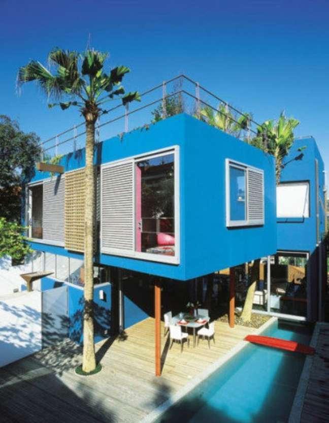 22. Cores para fachada de casas em tons de azul são modernas e alegres -Foto Pinterest