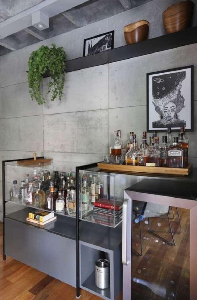 27. Bandeja bar de madeira. Fonte: Casa de Valentina