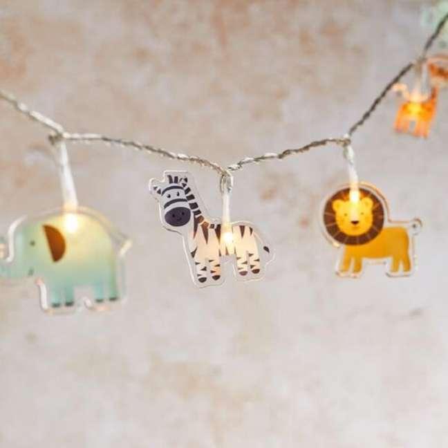 22. Cordão de luz com temática para quarto de bebê safari. Fonte: Pinterest