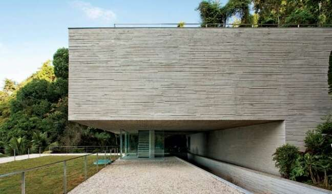 17. Combine os revestimentos da sua fachada de casa moderna – Foto Novo Tinta