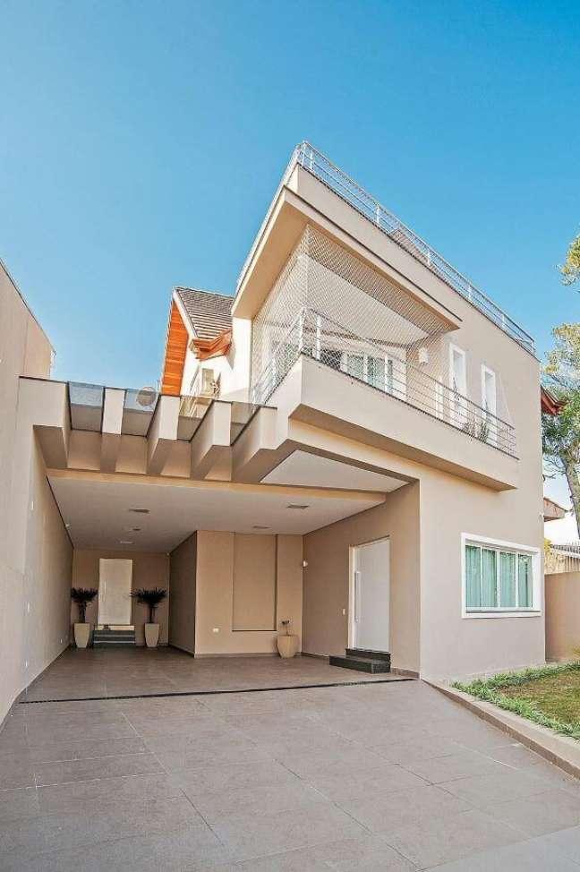 80. Sobrado com cores para fachada de casas bege na decoração moderna – Foto Pinterest